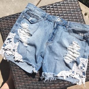 High Waisted Distressed Lace Detail Shorts
